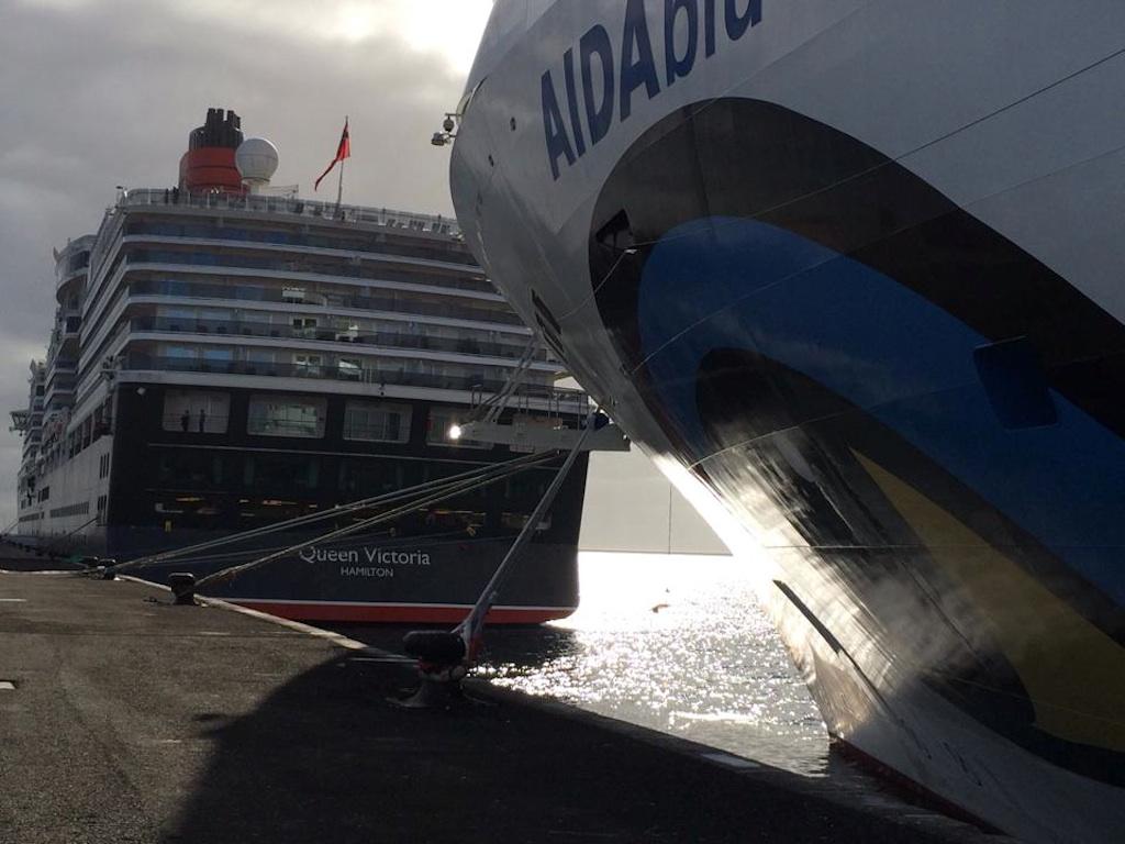 Aida am Hafen